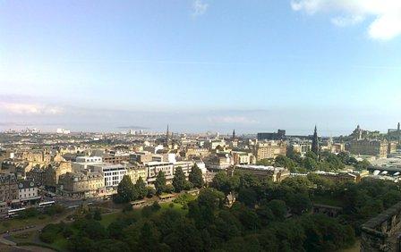 Utsikt över Edinburgh från Edinburgh Castle