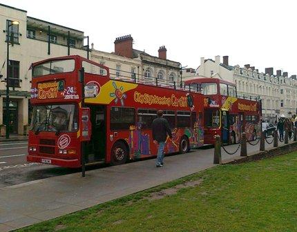 Cardiff – varför inte ta bussen på en sightseeingtur?
